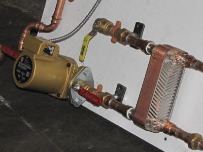 heat exchanger unit for radiant heating system